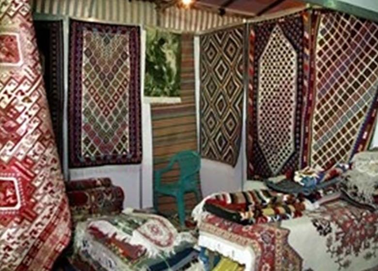 گلایههای یک راهنمای گردشگری از فروشندگان صنایع دستی