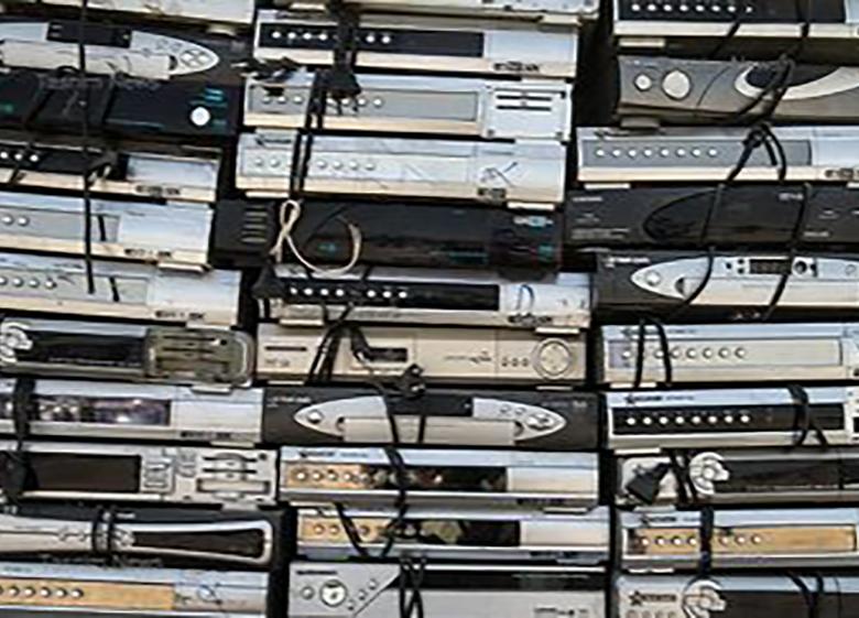 ۱۰هزار دستگاه رسیور ماهواره قاچاق در گمرک کشف شد