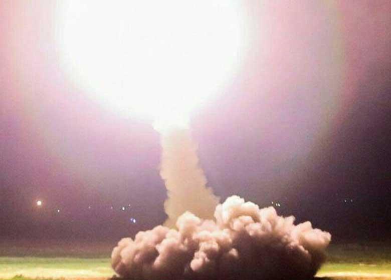 المیادین: حمله موشکی ایران، پیامی به عربستان، امریکا و اسرائیل بود / هاآرتص: تهران برای نخستین بار از موشک های میان برد خود استفاده کرد