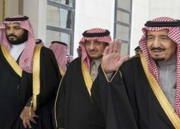 ویدیو: لحظات بیعت ولیعهد معزول عربستان با پسر پادشاه عربستان