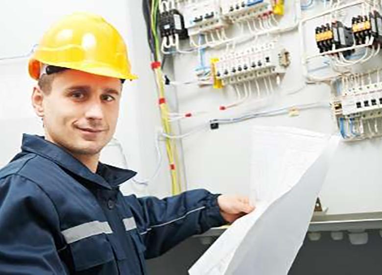 همکاری 2500 واحد صنعتی در طرح های تشویقی صنعت برق