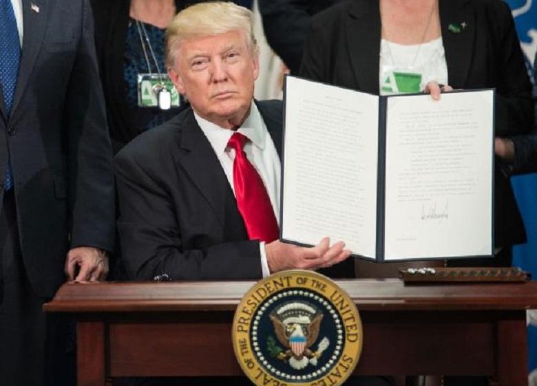 اجرای فرمان منع صدور ویزای آمریکا امروز آغاز میشود