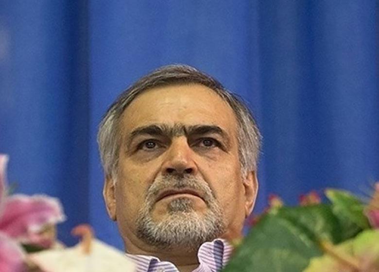 حسین فریدون در دادسرا حاضر و با آمبولانس خارج شد