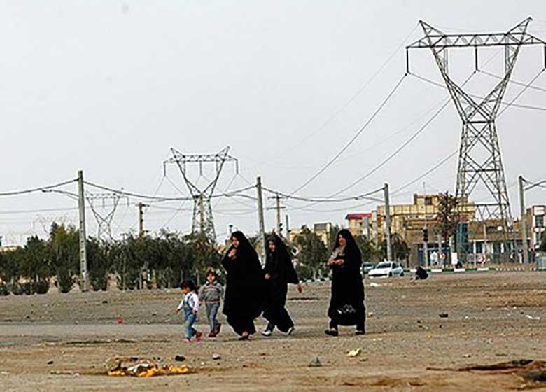 دکل های فشارقوی برق دشمن سلامتی مردم شرق تهران