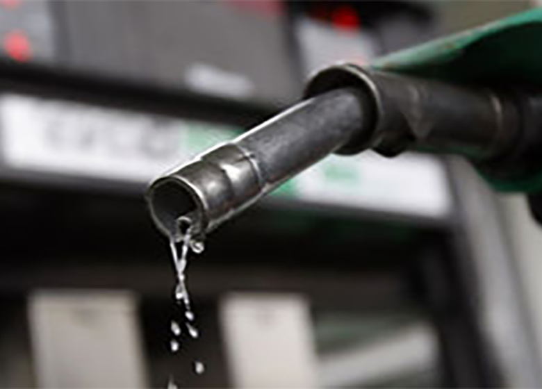 افزایش تعداد خودروها، علت اوجگیری مصرف بنزین