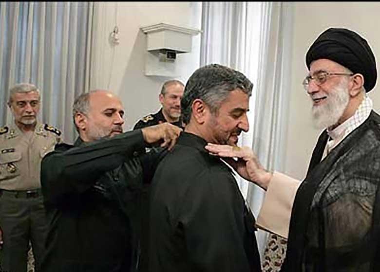 حكم سرلشكر عزیز جعفری بهعنوان فرمانده کل سپاه سه سال تمدید شد