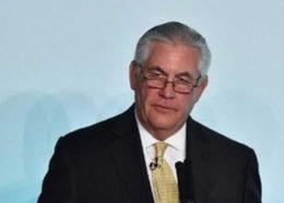 وزیر خارجه آمریکا خبر استعفایش را رد کرد / تیلرسون: تا زمانیکه ترامپ اجازه دهد، میمانم