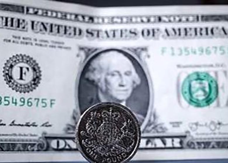 کاهش دلار آمریکا به پایین ترین سطح در یکسال گذشته