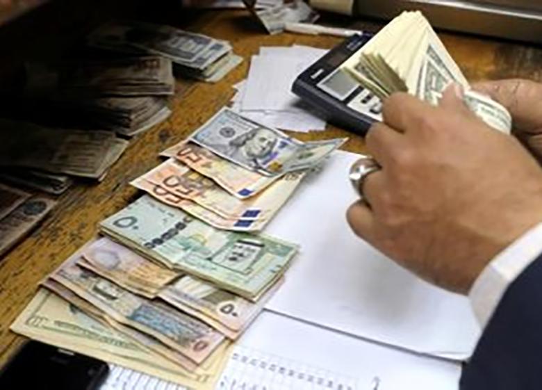 نرخ دلار بالارفت یورو و پوند کم شد