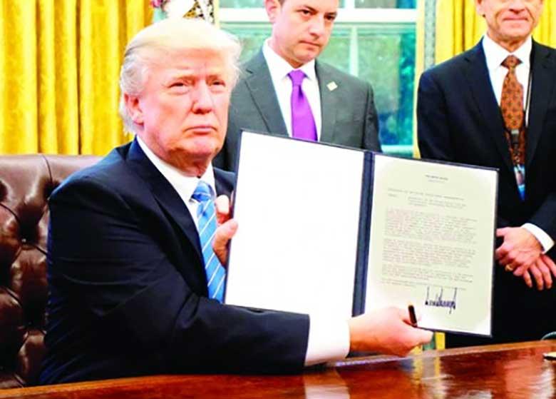 دیوان عالی آمریکا به فرمان مهاجرتی ترامپ رأی مثبت داد