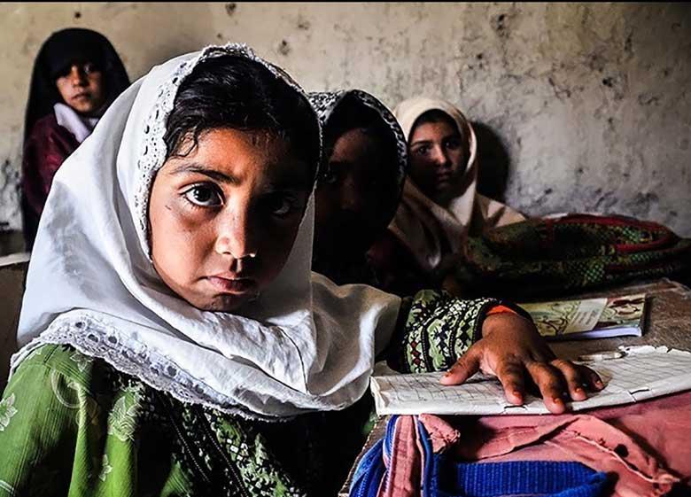 جلوگیری خانوادهها از تحصیل دخترانشان به دلیل حضور معلم مرد