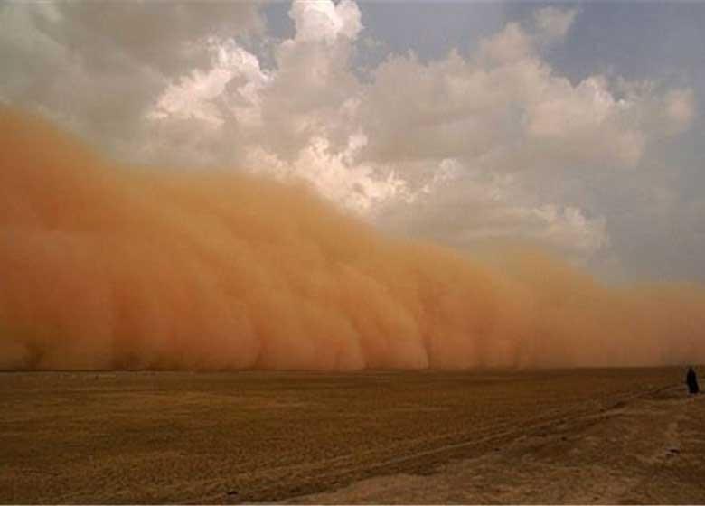 طوفان شن محور زابل به زاهدان را مسدود کرد