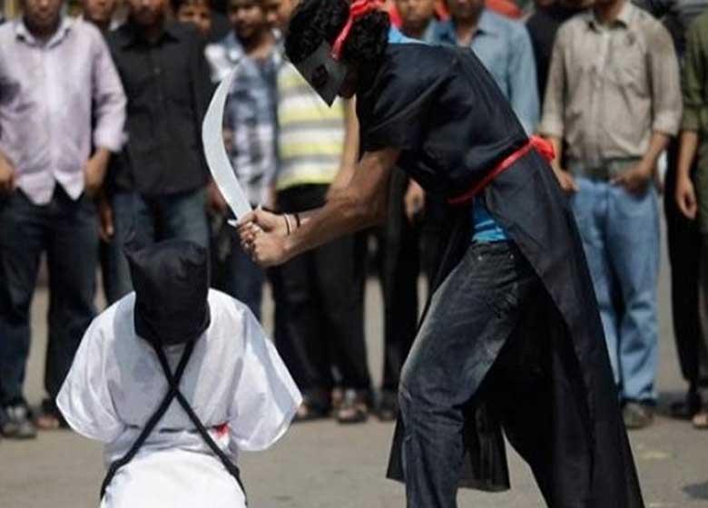 عربستان یک معلول و یک دانشجو را گردن می زند