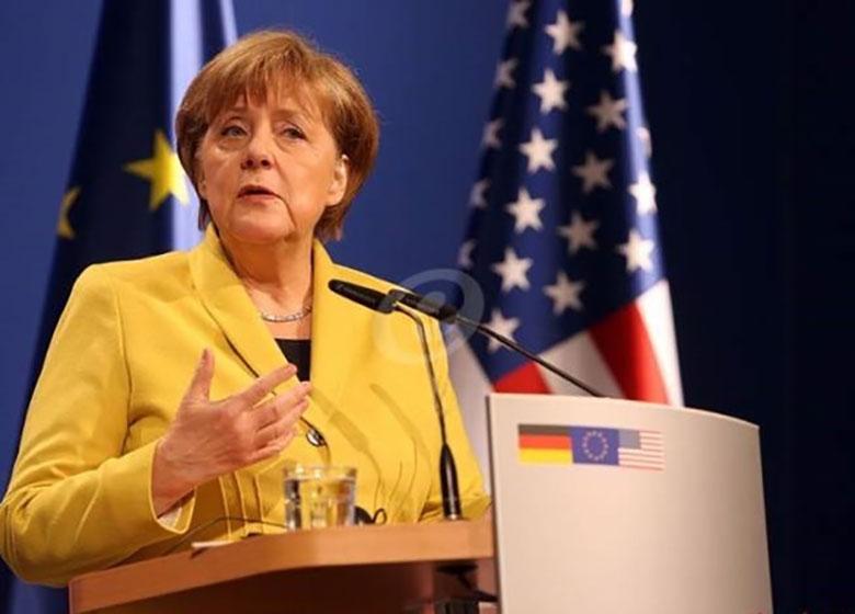 مرکل: ورود آوارگان به آلمان را محدود نمیکنیم