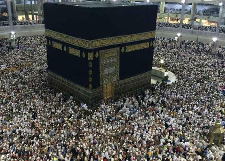 اعزام زائران ایرانی به عربستان رسما آغاز شد