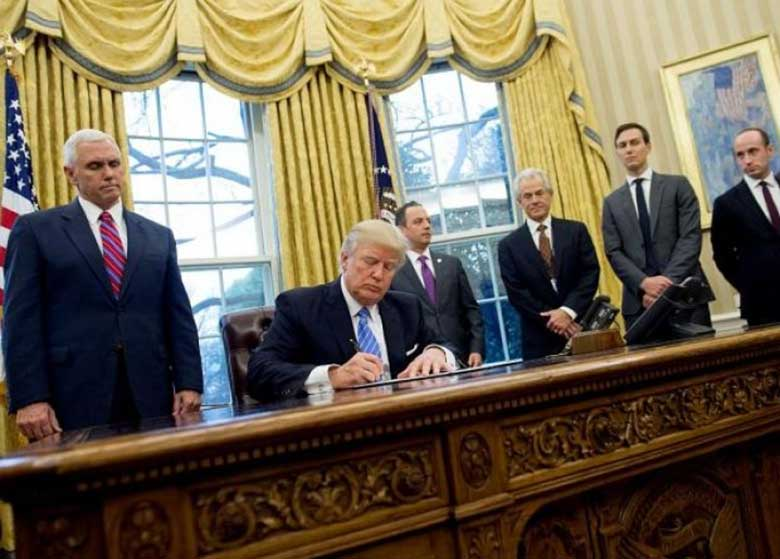 ادامه سریال جنجالی برکناریها و استعفاها در دولت ترامپ /رئیس جمهور آمریکا؛ به یکدست کردن مردان کاخ سفید ادامه میدهد؟