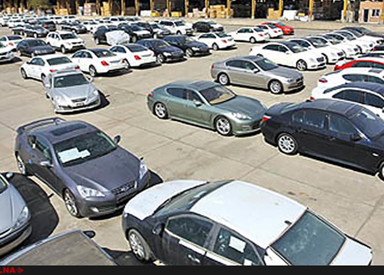 وزارت صنعت زودتر تکلیف ثبت سفارش خودروهای وارداتی را مشخص کند