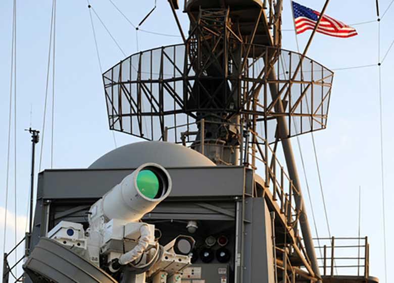 آزمایش سلاح لیزری آمریکا در خلیجفارس