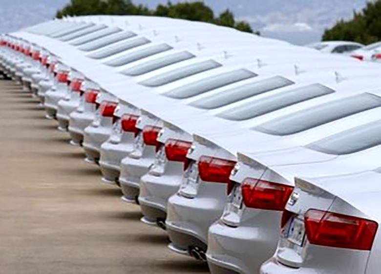 حمایت از خودروسازان داخلی در برابر واردات