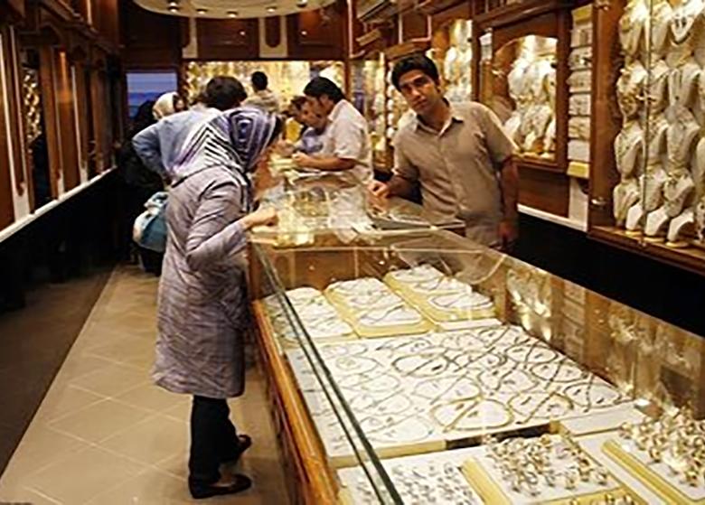 کشتی آرای: قیمت سکه و طلا در بازار روند نزولی پیدا کرد