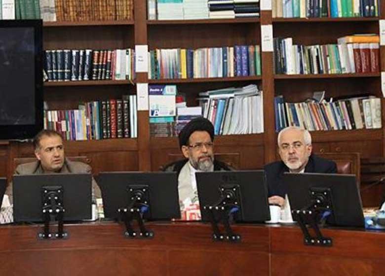 همه باید بپذیرند که مسئولیت روابط خارجی با وزارت امور خارجه است
