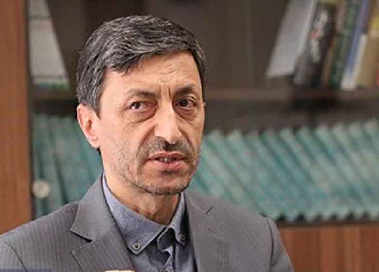 پرویز فتاح: همه فرصتها برای احمدینژاد از دست رفته است/ با تندروی کار پیش نمیرود/ سود بردم که کاندیدای ریاستجمهوری نشدم/ عضو هیچ حزبی نیستم