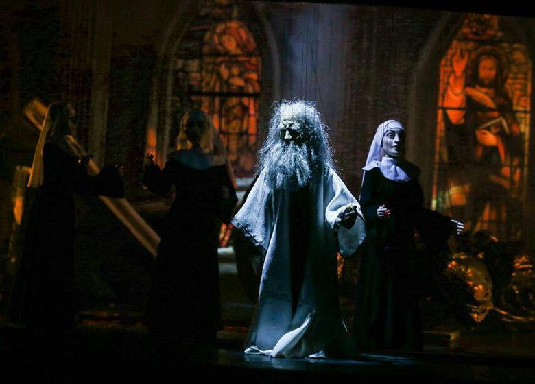 غریب پور: حرفه ای های تئاتر و فعالان نمایش «عروسکی» مخاطب اثرم نیستند!