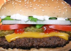 خطر مصرف غذاهای پرکالری برای زنان لاغر