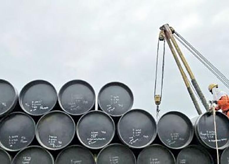 طوقی که نفت برگردن اقتصاد ایران انداخت