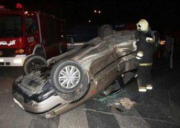 واژگونی خودرو سواری در تهرانپارس/نجات راننده از میان آهن پارهها