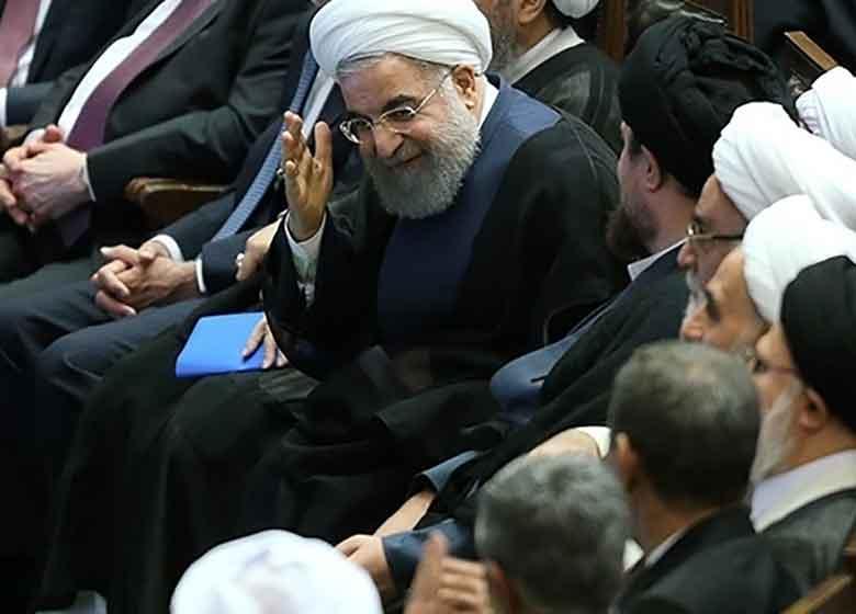 ادعای خلاف نماينده جبهه پايداری در مورد روحانی و عدم تمايل به دعوت از احمدی نژاد!/ آیا روحانی از ترکیب مهمانان و دعوت نشدگان به مراسم تحلیف آگاه بود؟