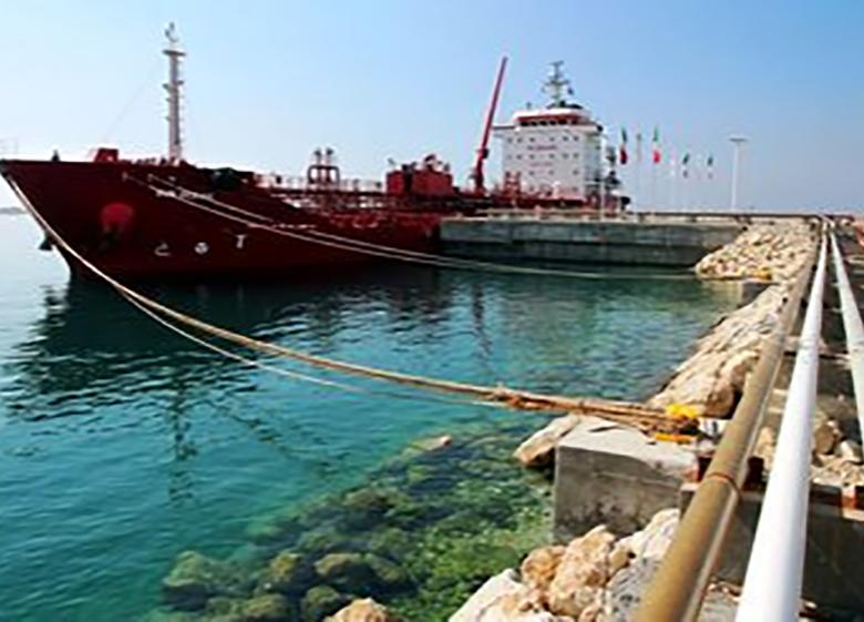 کاهش صادرات نفت ایران در ماه جاری