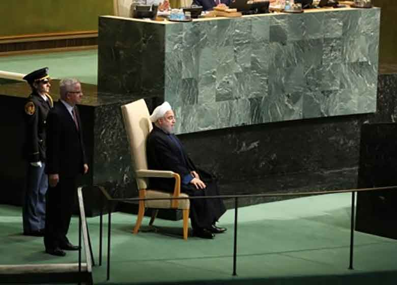 تحلیل زبان بدن رییسجمهور هنگام سخنرانی در سازمان ملل/ چرا روحانی هنگام صحبت از اسارت یهودیان فقط به سمت چپش نگاه کرد؟