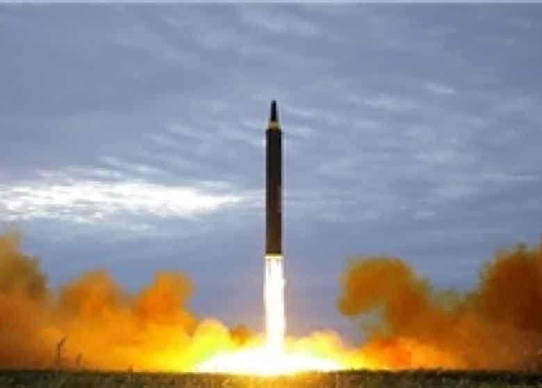 شلیک موشک کره شمالی به سمت ژاپن /مردم به پناهگاه های زیرزمینی رفتند