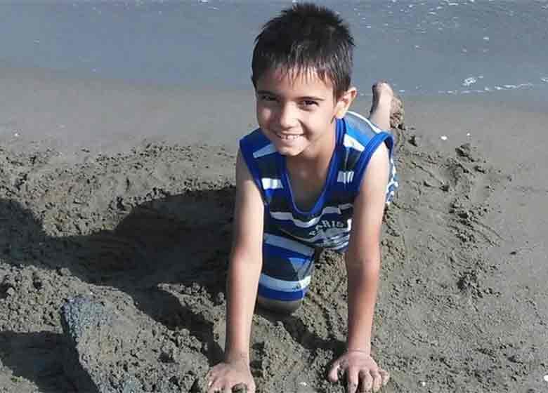 ۷۰ روز گذشت؛ «پارسا» پیدا نشد/ تلاش هنرمندان برای یافتن پارسا + تصویر پسر مفقود شده