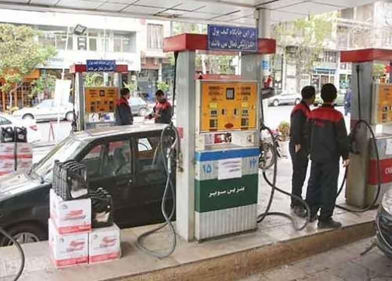 تحمیل فروش مکمل در پمپبنزین غیرقانونی است