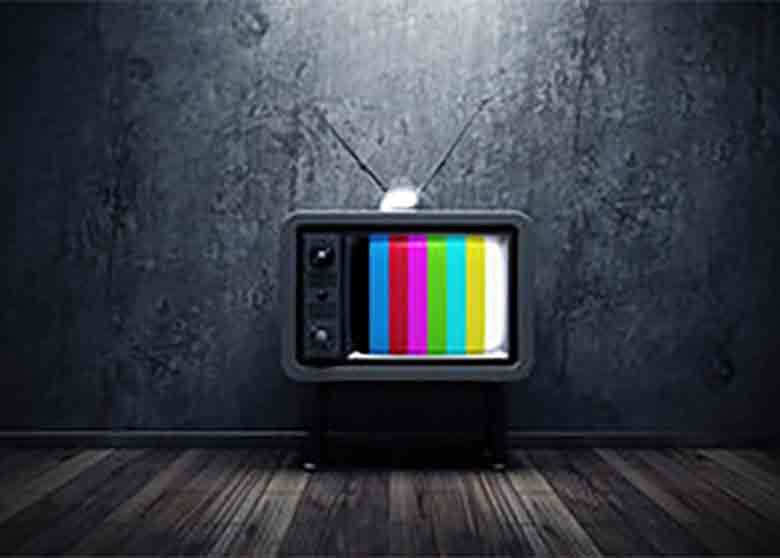 رسانه ملی باید از پنهانکاری و سیاسیبازی فاصله بگیرد