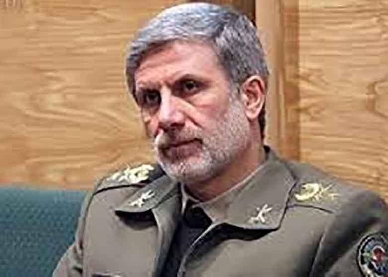 فرمانده کل ارتش:تأکید بر همافزاییهای دفاعی