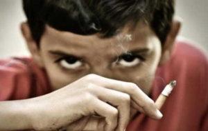 چرا برخی دانش آموزان به مواد مخدر گرایش دارند