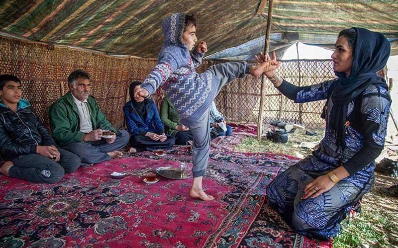 ورزش بانوان عکس ورزش زنان عکس ورزش بانوان خانواده سوسن رشیدی بیوگرافی سوسن رشیدی بوکسورهای زن بوکس زنان ایران