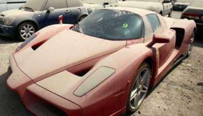 برخی از خودروهای میلیاردی در دبی فقط خاک میخورند!