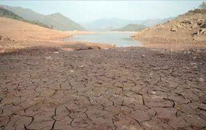 یک استاد دانشگاه:ایران به دلیل سوءمدیریت در منابع آب در حال تبدیل شدن به بیابان مطلق است