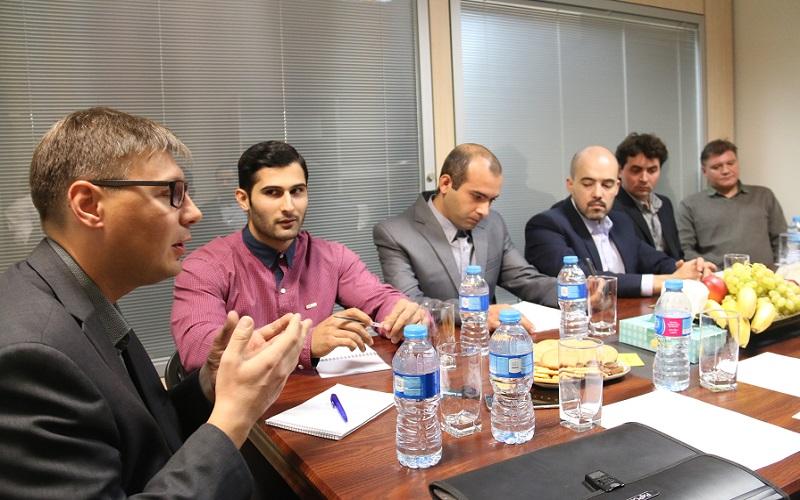 آغاز فعالیت تاکسی ماکسیم در ایران با سرمایه اولیه یک میلیون یورویی