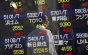 دلار لغزید/سهام آسیایی در اوج باقی ماند