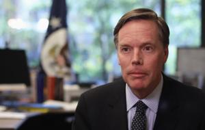 معاون پیشین وزارت خارجه آمریکا:واشنگتن به حمایت ازعربستان در جنگ علیه یمن پایان دهد