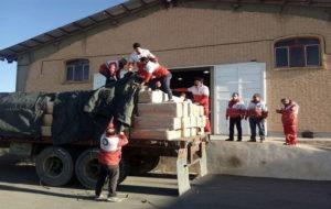 توزیع ۱۰۰ هزار بسته غذایی بین زلزله زدگان
