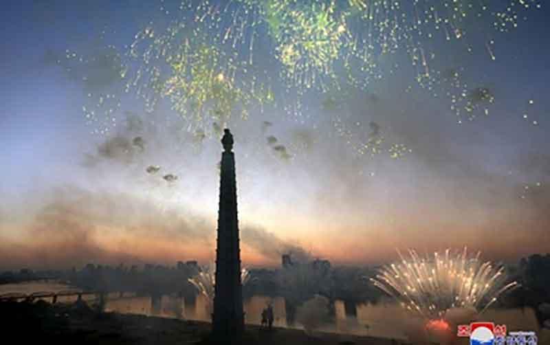 تصاویری از جشن و شادمانی در کره شمالی بعد از هر آزمایش هستهای