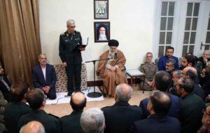 رهبر انقلاب به فرماندهان ارشد نظامی: تقویت نیروهای مسلح آسیبناپذیری ملت را حفظ میکند