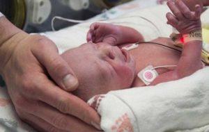 تولد نوزادی با رحم پیوندی در آمریکا