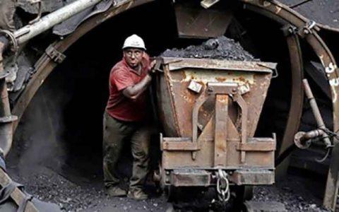 تعطیلی معادن زغالسنگ زلزلهزده ادامه دارد
